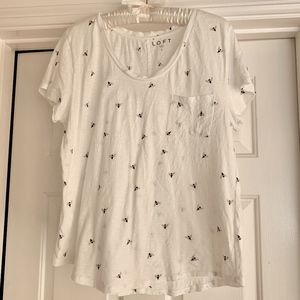 LOFT Cotton Short Sleeve Bee Design Pocket Tee L